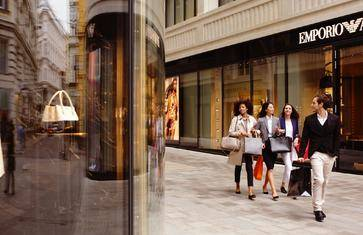在奢侈品天堂第五大道,来一次酣畅淋漓的购物,感受美国上流社会的生活气息【第五大道 · 奢侈品牌店 · 百货商场】